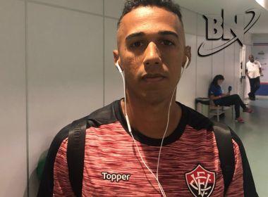 Lateral do Vitória, Juninho pensou em pendurar as chuteiras após lesões