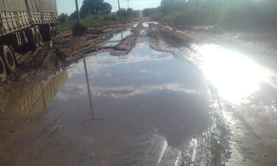 LEM: Pontos de alagamento prejudicam estradas do Assentamento Rio de Ondas