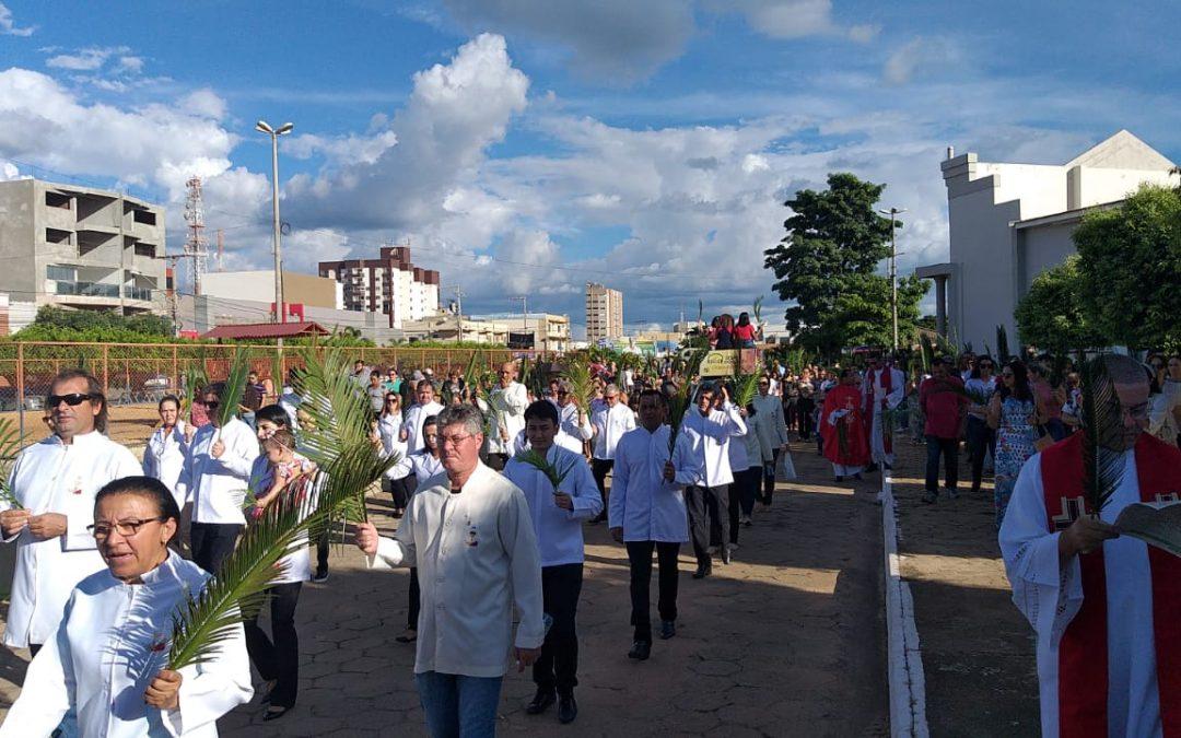 LEM: Procissão de Ramos abriu as comemorações da Semana Santa