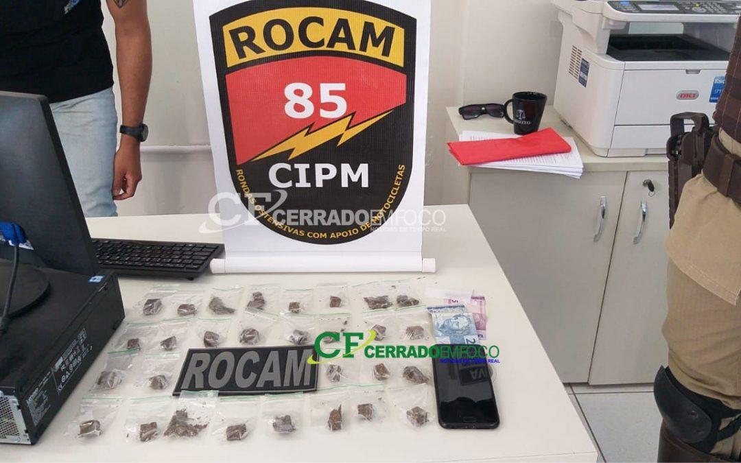 LEM: Dupla é presa por tráfico de drogas com participação de um menor