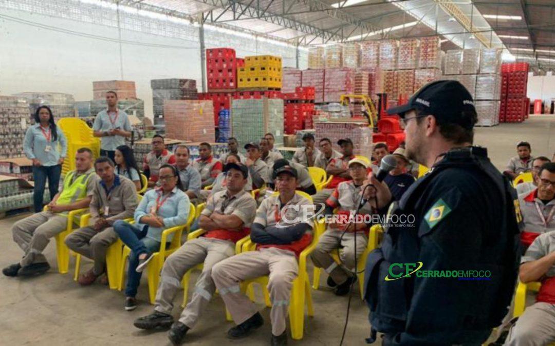 Itaberaba-BA: PRF promove palestra de segurança no trânsito para funcionários de empresa