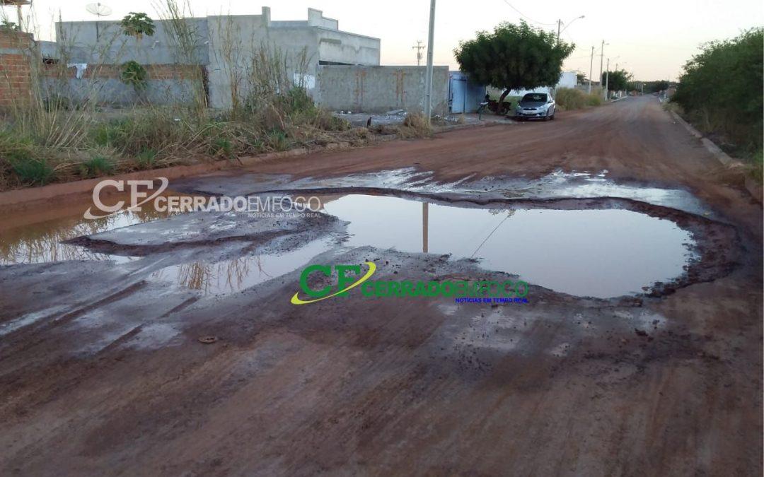 LEM: Moradores reclamam a falta de melhorias no asfalto do Bairro Parque São José
