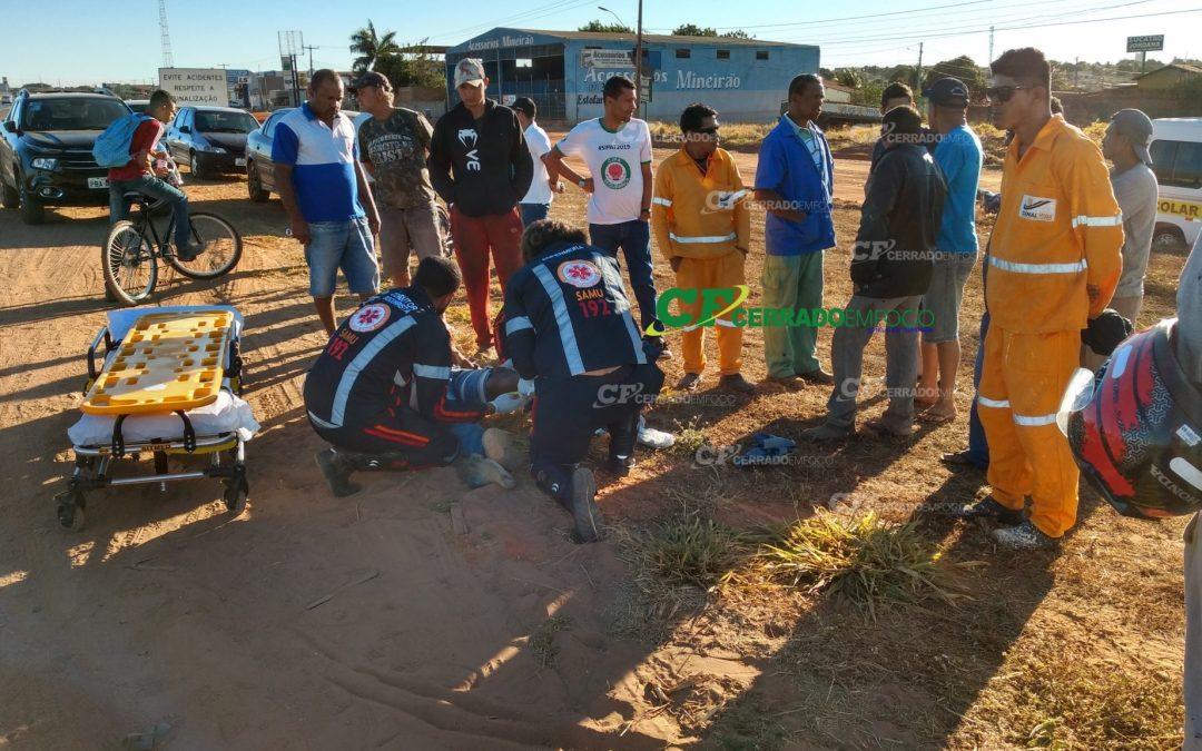 LEM: Motociclista e passageiro ficam feridos após queda na BR-020