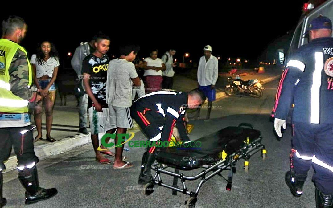 LEM: Motociclista fica gravemente ferido após colidir contra meio fio