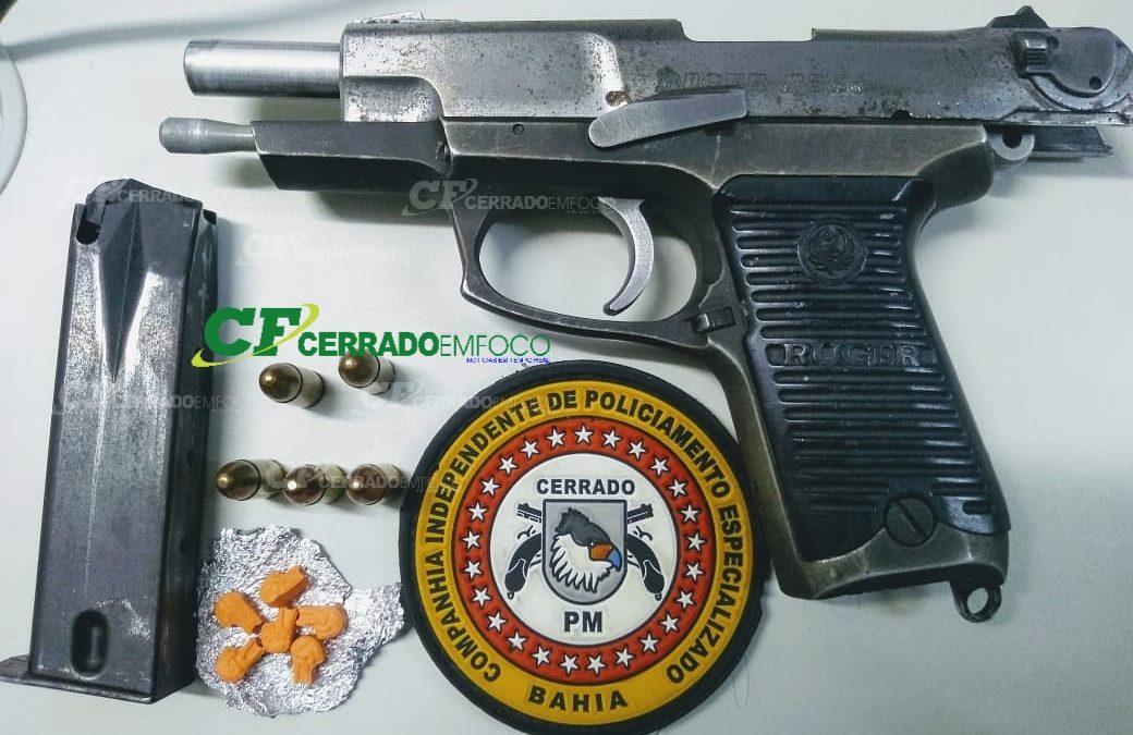 LEM: CIPE CERRADO prende em flagrante dois indivíduos a bordo de uma motocicleta, o condutor portava uma pistola calibre 9mm.